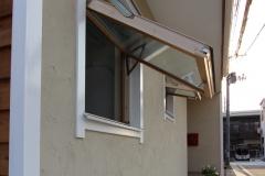 エリートフェンスタ EFH 横軸回転窓 窓は1回転し中外反転して掃除ます。